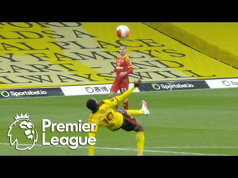 Danny Welbeck bicycle kick puts Watford in front of Norwich City | Premier League | NBC Sports